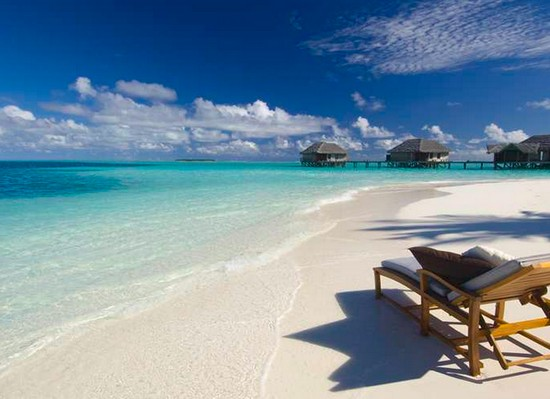 conrad-hotel-maldives-beach