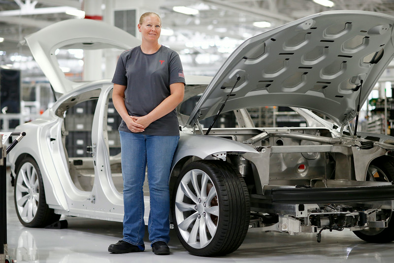 tesla-motors-veteran-employee