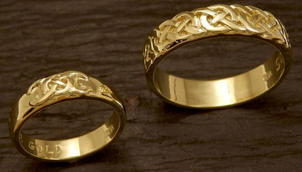man-collected-gold-for-wedding-rings-06