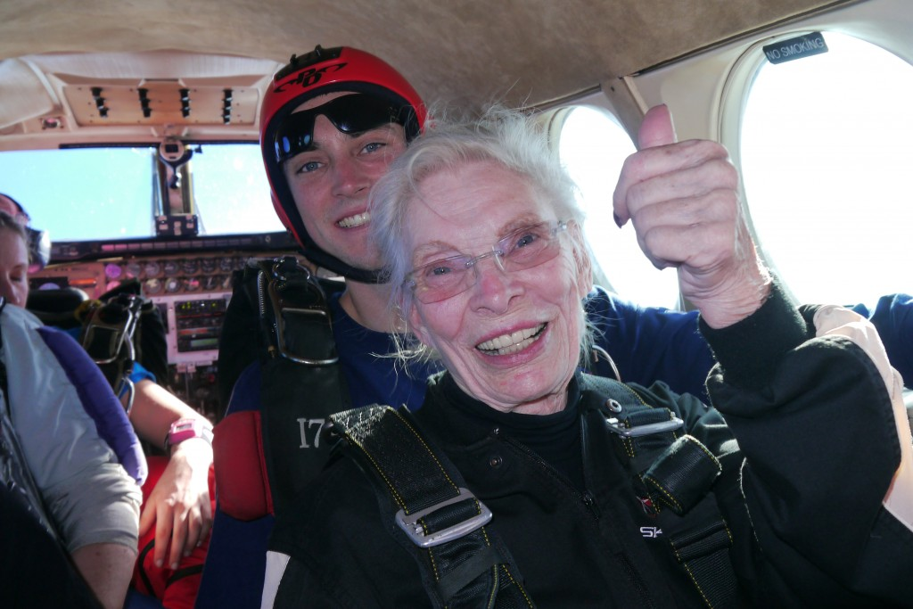 84-year-old-woman-skydiving-01