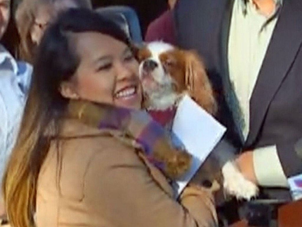 ebola-nurse-reunited-with-her-dog-04