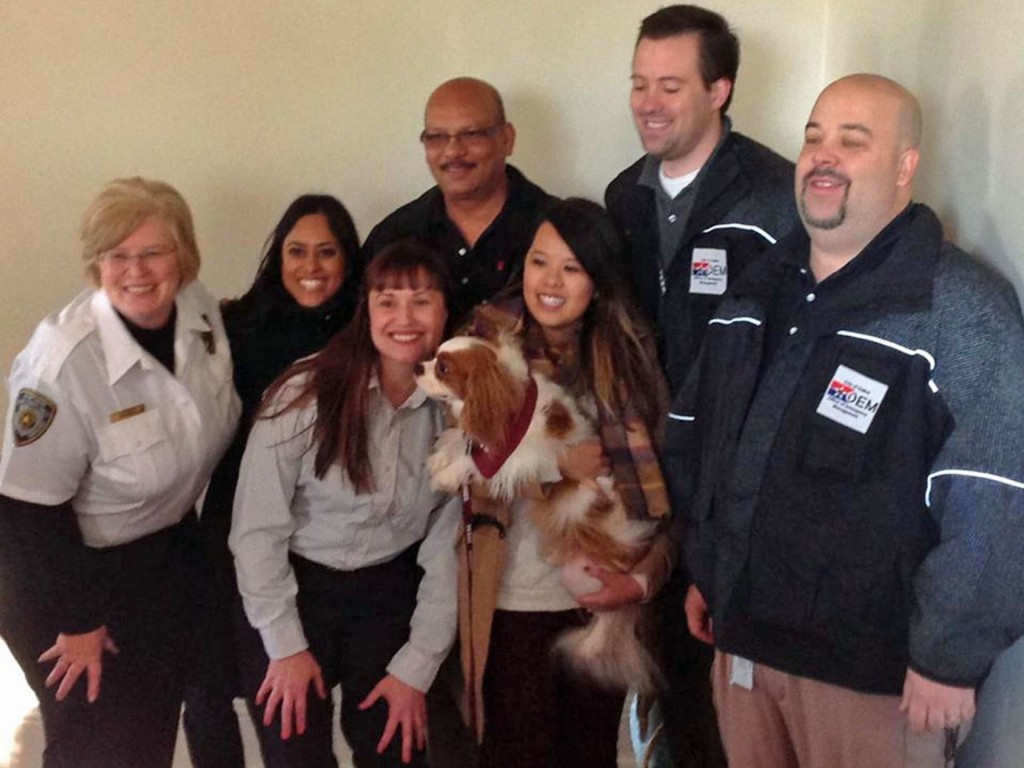 ebola-nurse-reunited-with-her-dog-05