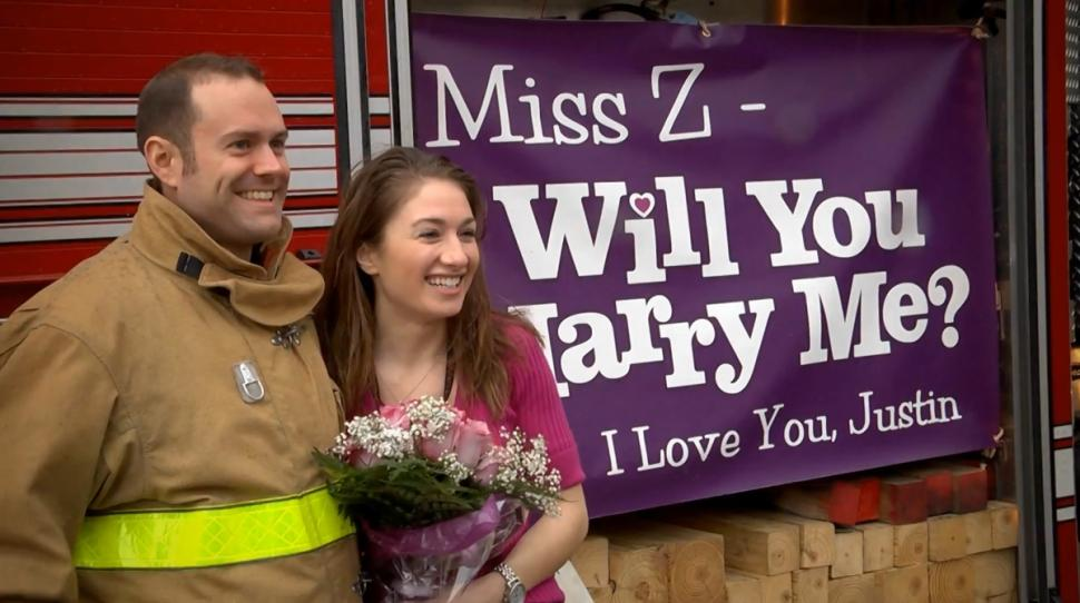 fireman-proposed-to-teacher-girlfriend