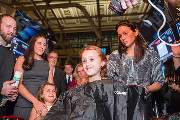 girl-shaves-head-in-support-of-kids-fighting-cancer-02