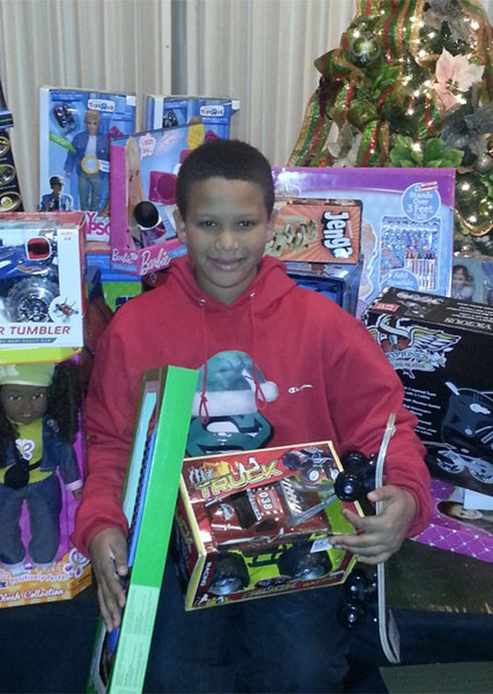 samuel-love-christmas-toy-drive-02